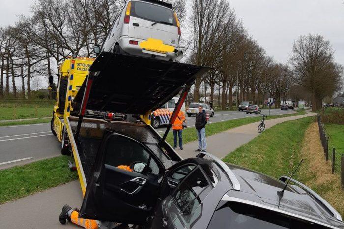 Blikschade bij ongeluk Zuiderzeestraat West in Doornspijk