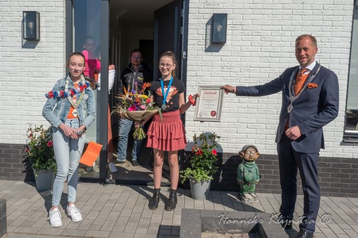 Jeugdlintje voor Vera Bekenkamp Foto's en video